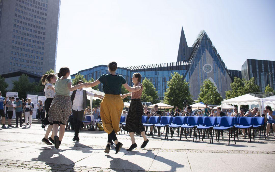 Über 1.600 Besucher im Ausstellungszelt in Leipzig